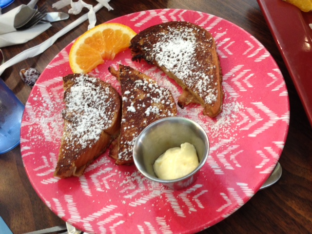 We split this french toast between the 5 of us.